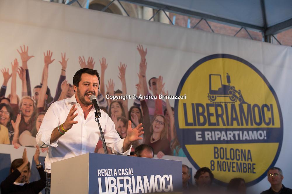 Bologna 08/11/2015 Manifestazione Lega Nord Liberiamoci e ripartiamo! <br /> Nella Foto: Matteo Salvini Segretario Federale Lega Nord