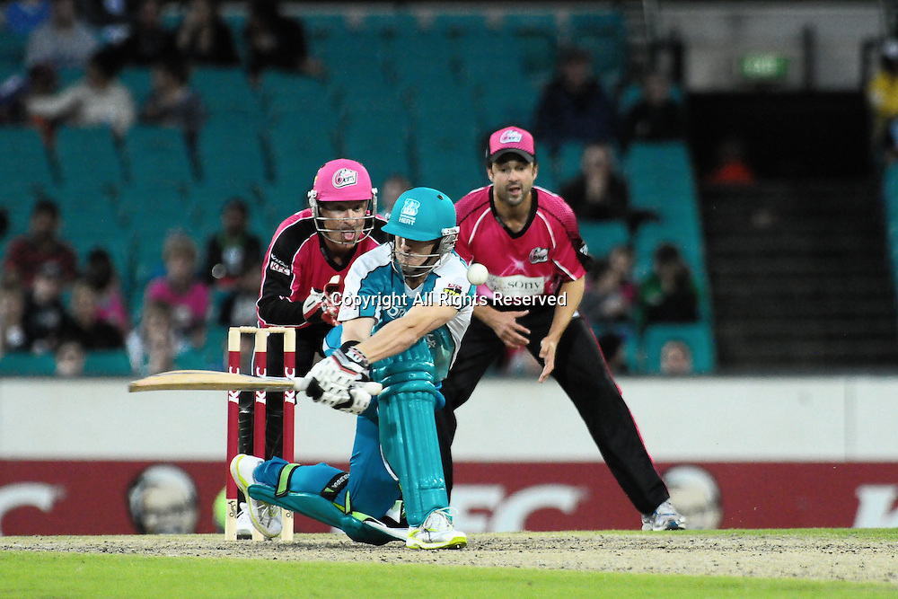 16.12.2011 Sydney, Australia.Brisbane Heat all rounder Daniel Christian in action during the KFC T20 Big Bash League game between Sydney Sixers and Brisbane Heat at the Sydney Cricket Ground.