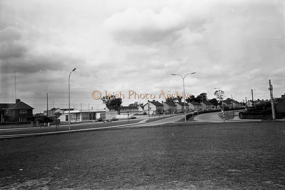 09/06/1967<br /> 06/09/1967<br /> 09 June 1967<br /> Views near St Theresa's, Malahide Road, Dublin.