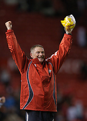 Manchester, England - Thursday, April 26, 2007: Liverpool's coach John Owens celebrates after beating Manchester United on penalties to win the FA Youth Cup for the second successive year after beating Manchester United on penalties during the FA Youth Cup Final 2nd Leg at Old Trafford. (Pic by David Rawcliffe/Propaganda)