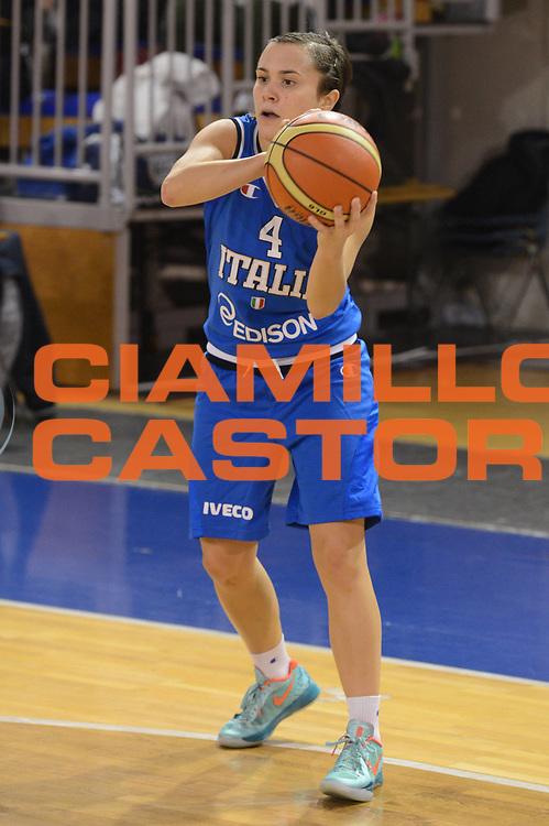 DESCRIZIONE : Parma Palaciti Nazionale Italia femminile Basket Parma<br /> GIOCATORE : Giulia Gatti<br /> CATEGORIA : passaggio<br /> SQUADRA : Italia femminile<br /> EVENTO : amichevole<br /> GARA : Italia femminile Basket Parma<br /> DATA : 13/11/2012<br /> SPORT : Pallacanestro <br /> AUTORE : Agenzia Ciamillo-Castoria/ GiulioCiamillo<br /> Galleria : Lega Basket A 2012-2013 <br /> Fotonotizia :  Parma Palaciti Nazionale Italia femminile Basket Parma<br /> Predefinita :