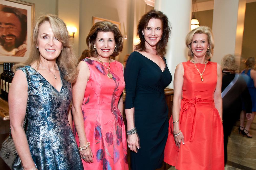 Lisa Manning, Laura Niewold, Sylvia Bradbury