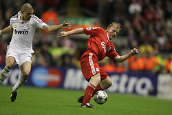 Dirk Kuyt turns Pepe..Uefa Champions League, First knock-out round, second leg..Liverpool v Real Madrid..Anfield..10.03.09.