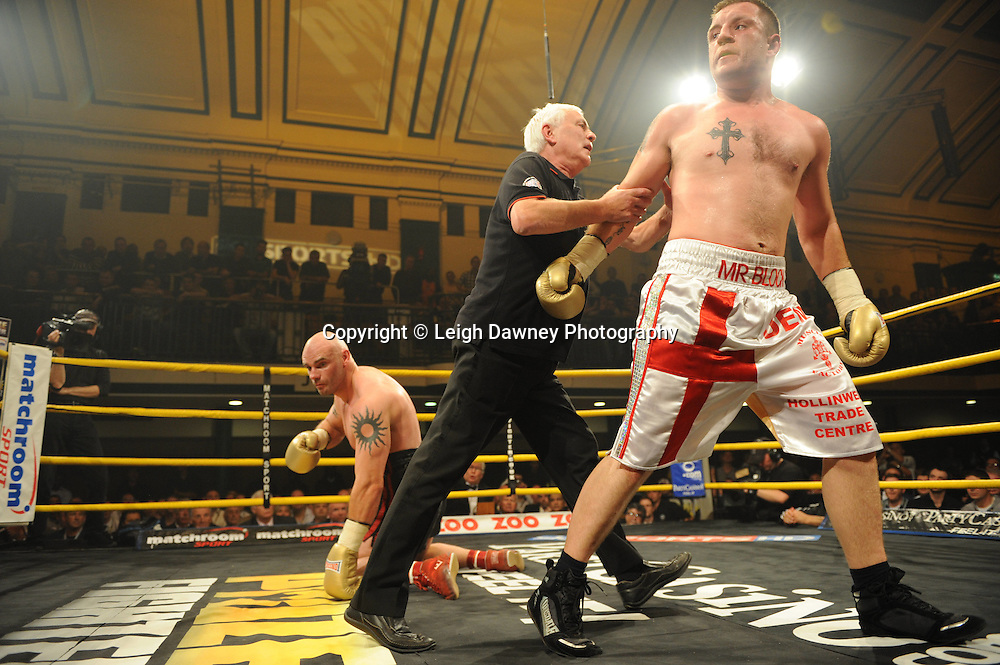 Shane McPhilbin defeats Declan Timlin at Prizefighter The Heavyweights 9th Ocrtober 2010 at York Hall, Bethnal Green, London. Prizefighter/Matchroom Sport. Barry & Eddie Hearn © Photo credit: Leigh Dawney