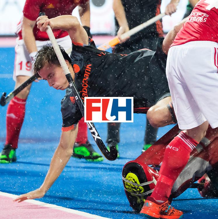 BHUBANESWAR -  Thijs van Dam (Ned)  tijdens de Hockey World League Finals , de wedstrijd om de 7e plaats, Engeland-Nederland (0-1).   COPYRIGHT KOEN SUYK