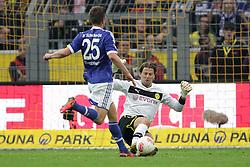 20-10-2012 VOETBAL: BORUSSI DORTMUND - FC SCHALKE 04: DORTMUND<br /> Klaas Jan Huntelaar en Roman WEIDENFELLER<br /> ***NETHERLANDS ONLY***<br /> ©2012-FotoHoogendoorn.nl/Ben Majerus