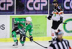 14.10.2016, Hala Tivoli, Ljubljana, SLO, EBEL, HDD Olimpija Ljubljana vs Moser Medical Graz 99ers, 9. Runde, im Bild Sebastjan Hadzic (HDD Olimpija), Evan Brophey (Graz 99ers) // during the Erste Bank Icehockey League 9th round match between HC Orli Znojmo and Moser Medical Graz 99ers at the Hala Tivoli in Ljubljana, Slovenia on 2016/10/14. EXPA Pictures © 2016, PhotoCredit: EXPA/ Sportida/ Vid Ponikvar<br /> <br /> *****ATTENTION - OUT of SLO, FRA*****