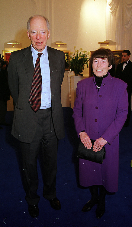 LORD & LADY ROTHSCHILD at a party in London on 16th March 2000.OCC 63<br /> © Desmond O'Neill Features:- 0208 971 9600<br />    10 Victoria Mews, London.  SW18 3PY  photos@donfeatures.com