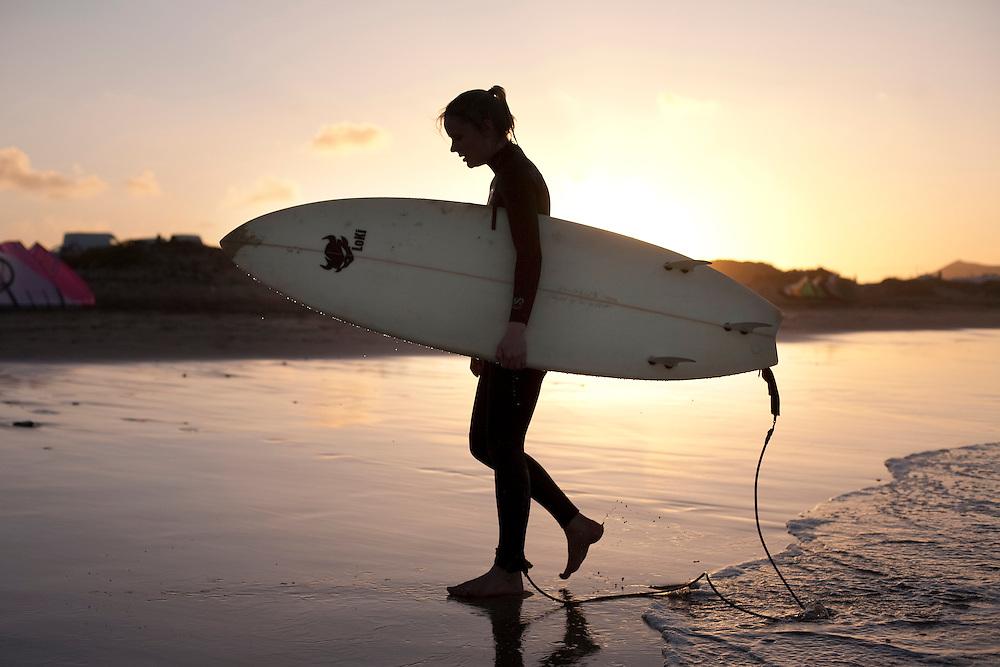 Surf en Famara. Isla de Lanzarote.