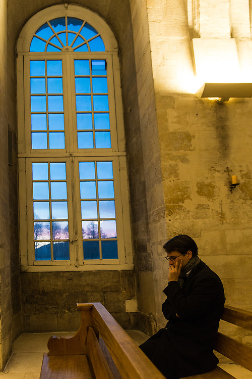 Young people from a Paris parish take part in a spiritual retreat at a medieval abbey.  Le Bec-Hellouin, France.  February 25th, 2017.                  © Daniel Barreto Mezzano