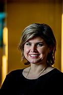 ROTTERDAM - portet  Angela de Jong is een Nederlands journaliste, televisierecensente en columniste voor het algemeen dagblad ROBIN UTRECHT