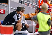 Fotball, 21. juli 2004, Treningskamp, Lyn - Wolverhampton, Vio Gonela, Wolverhamton og Dave Jones
