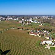 Prise de vue en drone sur le village de burie en Charente-Maritime