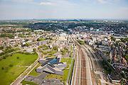 Nederland, Limburg, Gemeente Heerlen, 27-05-2013; het nieuwe CBS gebouw aan de CBS-weg (links). In de achtergrond het voormalig CBS kantoor en het mijnmuseum aan de Kloosterweg, station.<br /> Central Statistics Office CBS.<br /> luchtfoto (toeslag op standaardtarieven);<br /> aerial photo (additional fee required);<br /> copyright foto/photo Siebe Swart.