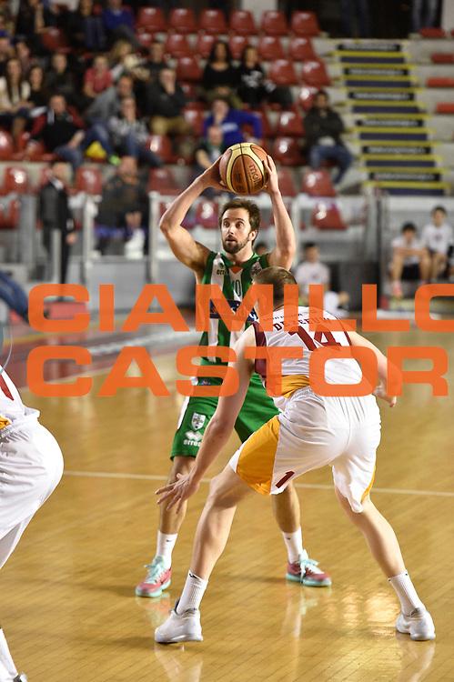 DESCRIZIONE : Roma Lega A 2014-15 <br /> Acea Virtus Roma - Sidigas Avellino <br /> GIOCATORE : Daniele Cavaliero <br /> CATEGORIA : <br /> SQUADRA : Sidigas Avellino <br /> EVENTO : Campionato Lega A 2014-2015 <br /> GARA : Acea Virtus Roma - Sidigas Avellino<br /> DATA : 04/04/2015<br /> SPORT : Pallacanestro <br /> AUTORE : Agenzia Ciamillo-Castoria/GiulioCiamillo<br /> Galleria : Lega Basket A 2014-2015  <br /> Fotonotizia : Roma Lega A 2014-15 Acea Virtus Roma - Sidigas Avellino