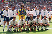 Fotball<br /> EM-sluttspillet 1996<br /> England v Skottland<br /> Foto: Digitalsport<br /> Norway Only<br /> Lagbilde England:<br /> Bak fra venstre: Stuart Pearce, Paul Ince, David Seaman, Paul Gascoigne, Gareth Southgate, Alan Shearer.<br /> Foran fra venstre: Gary Neville, Teddy Sheringham, Tony Adams, Steve McManaman, Darren Anderton.