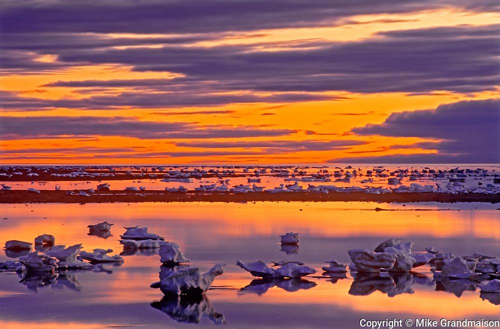 Icebergs along the Hudson Bay coastline<br />Churchill<br />Manitoba<br />Canada