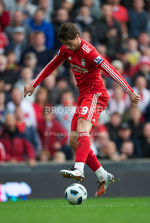 LIVERPOOL, ENGLAND - Saturday, September 25, 2010: Liverpool's Fernando Torres in action against Sunderland during the Premiership match at Anfield. (Photo by David Rawcliffe/Propaganda)