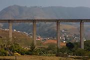 Jeceaba_MG, Brasil...Cidade de Jeceaba (Minas Gerais). Estrada de Ferro Central do Brasil...Jeceaba town (Minas Gerais).The railroad track Central do Brasil.. .Foto: LEO DRUMOND /  NITRO