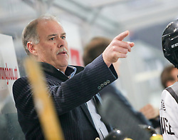 27.09.2015, Tiroler Wasserkraft Arena, Innsbruck, AUT, EBEL, HC TWK Innsbruck Die Haie vs Dornbirner Eishockey Club, 6. Runde, im Bild Headcoach Dave MacQueen (Dornbirner Eishockey Club) // during the Erste Bank Icehockey League 6th round match between HC TWK Innsbruck Die Haie and Dornbirner Eishockey Club at the Tiroler Wasserkraft Arena in Innsbruck, Austria on 2015/09/27. EXPA Pictures © 2015, PhotoCredit: EXPA/ Jakob Gruber
