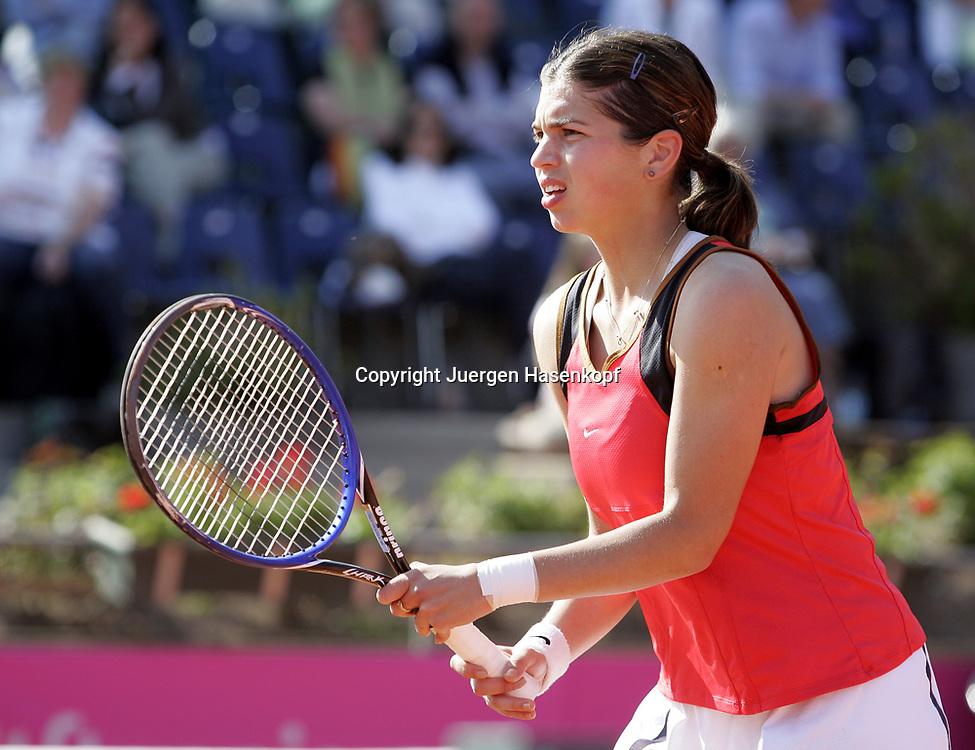 Fed Cup Germany - Croatia , ITF Damen Tennis Turnier in Fuerth, Wettbewerb der Mannschaft von Deutschland gegen Kroatien, Sanja Ancic (CRO).<br />Foto: Juergen Hasenkopf<br />B a n k v e r b.  S S P K  M u e n ch e n, <br />BLZ. 70150000, Kto. 10-210359,<br />+++ Veroeffentlichung nur gegen Honorar nach MFM,<br />Namensnennung und Belegexemplar. Inhaltsveraendernde Manipulation des Fotos nur nach ausdruecklicher Genehmigung durch den Fotografen.<br />Persoenlichkeitsrechte oder Model Release Vertraege der abgebildeten Personen sind nicht vorhanden.