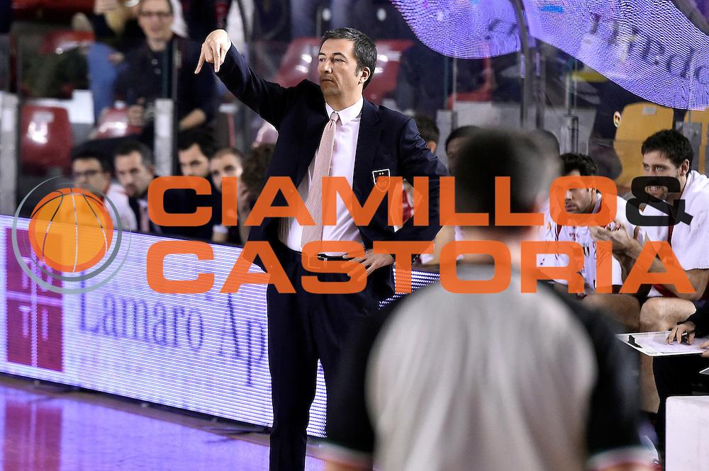DESCRIZIONE : Roma Lega A 2014-2015 Acea Roma EA7 Emporio Armani Milano<br /> GIOCATORE : Luca Banchi<br /> CATEGORIA : delusione<br /> SQUADRA : EA7 Emporio Armani Milano<br /> EVENTO : Campionato Lega A 2014-2015<br /> GARA : Acea Roma EA7 Emporio Armani Milano<br /> DATA : 21/12/2014<br /> SPORT : Pallacanestro<br /> AUTORE : Agenzia Ciamillo-Castoria/Max.Ceretti<br /> GALLERIA : Lega Basket A 2014-2015<br /> FOTONOTIZIA : Roma Lega A 2014-2015 Acea Roma EA7 Emporio Armani Milano<br /> PREDEFINITA :