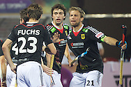 19 GER vs AUS : Tim Oruz celebrated by its teammates
