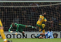 Photo: Ashley Pickering.<br />Norwich City v Hull FC. Coca Cola Championship. 25/11/2006.<br />Robert Earnshaw bundles the ball in the back of the net to score for Norwich