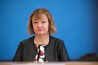 DEU, Deutschland, Germany, Berlin, 15.05.2019: Kerstin Kassner (MdB, Die Linke) in der Bundespressekonferenz anlässlich der Vorstellung des Jahresberichts 2018 des Petitionsausschusses.