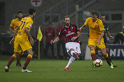 September 1, 2018 - Milan, Italy - Serie A football, AC Milan versus AS Roma; Gonzalo Higuaín of AC Milan in action (Credit Image: © Gaetano Piazzolla/Pacific Press via ZUMA Wire)