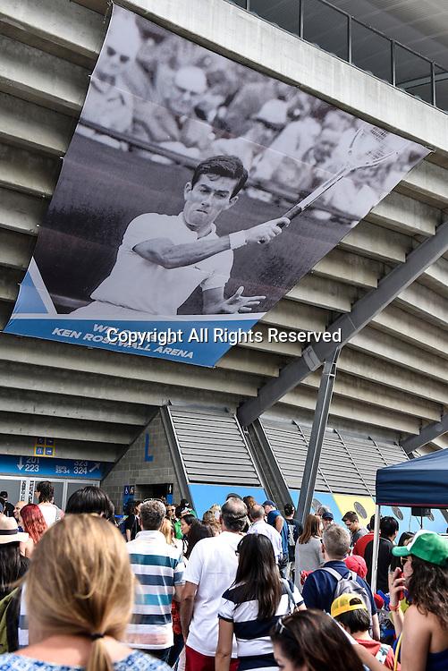 16.01.2016. Sydney, Australia. Crowds flock in to see Grigor Dimitrov (BUL) against Viktor Troicki (SRB) in the mens singles final match at the Apia International Sydney.