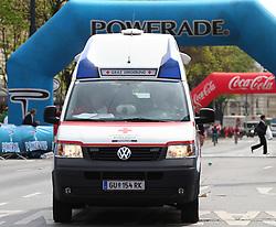 18.04.2010, Wien, AUT, Vienna City Marathon 2010, im Bild Einsatzfahrzeug des Roten Kreuzes,  EXPA Pictures © 2010, PhotoCredit: EXPA/ T. Haumer / SPORTIDA PHOTO AGENCY