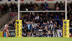 Matt Scott of Gloucester Rugby scores a conversion - Mandatory by-line: Matt McNulty/JMP - 16/09/2016 - RUGBY - Heywood Road Stadium - Sale, England - Sale Sharks v Gloucester Rugby - Aviva Premiership