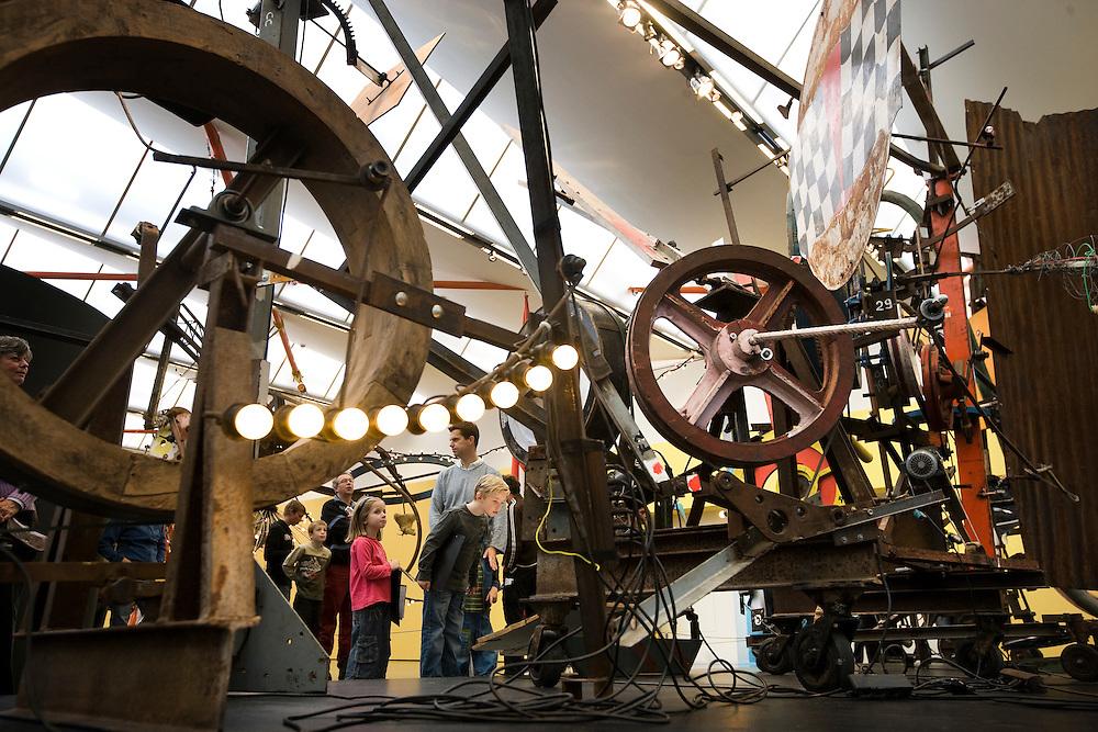 Nederland. Rotterdam, 24 oktober2007.<br /> &quot;Alles beweegt!&quot; van Jean Tinguely in de Kunsthal.<br /> Foto Martijn Beekman <br /> NIET VOOR TROUW, AD, TELEGRAAF, NRC EN HET PAROOL