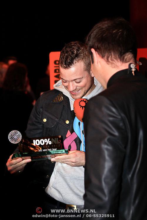 NLD/Hilversum/20130109 - Uitreiking 100% NL Awards 2012, gers Pardoel wint de Award voor 'Hit van het Jaar'