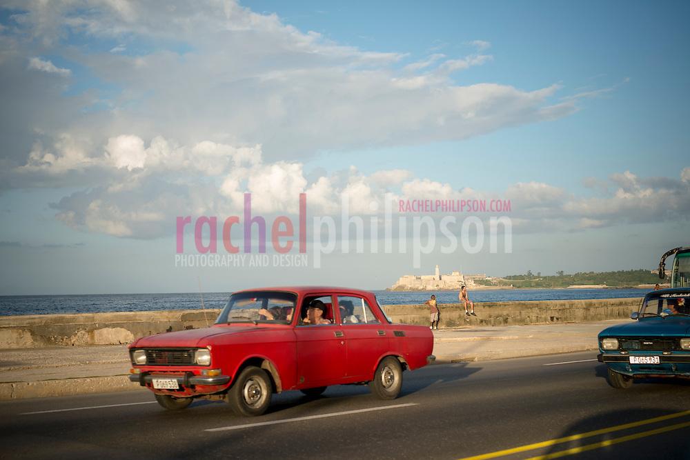 Cuba, Havana, malecon, classic cars