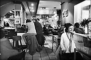 Nederland, Nijmegen, 15-5-1982<br /> Cafe, eetcafe de Plak bestaat sinds 1976 en was aanvankelijk vooral gericht op homoseksuelen, en alternatieve jongeren.<br /> FOTO: FLIP FRANSSEN/ HH
