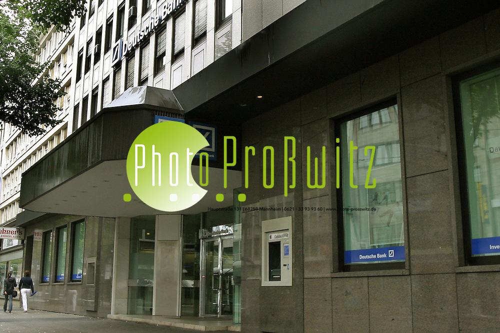 Mannheim. Deutsche Bank mitten in der Innenstadt<br /> Bild: Markus Pro&szlig;witz <br /> Bilder auch online abrufbar - Neue-/ und Archivbilder. www.masterpress.org
