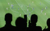 Fussball WM 2006        Deutschland - Italien Zuschauer verfolgen das WM Halbfinale zwischen Deutschland und Italien.