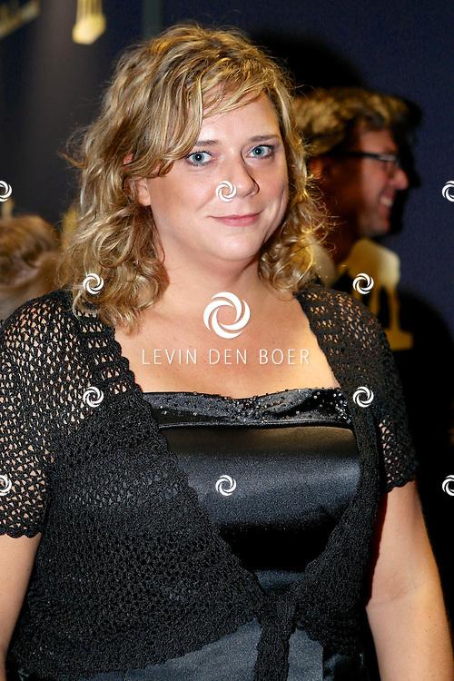 UTRECHT - In de Stadsschouwburg van Utrecht zijn de Gouden Kalveren 2013 uitgereikt. Met hier op de foto Roosmarijn Reijmer. FOTO LEVIN DEN BOER - PERSFOTO.NU