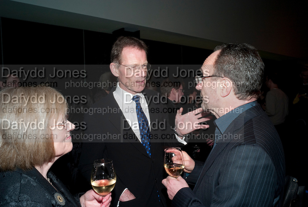 SIR NICHOLAS SEROTA, Gabriel Orozco reception, Tate Modern, London. 18 January 2010. .-DO NOT ARCHIVE-© Copyright Photograph by Dafydd Jones. 248 Clapham Rd. London SW9 0PZ. Tel 0207 820 0771. www.dafjones.com.