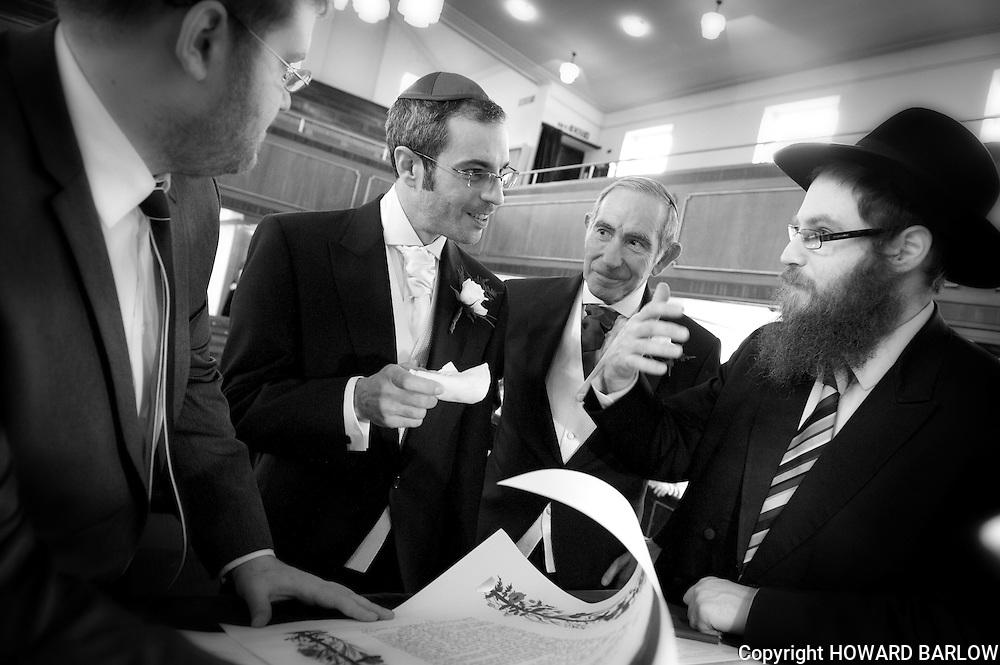 MELISSA GLASSMAN & MATTHEW CRAMER - Chuppah at Childwall Synagogue + Crown Plaza, Liverpool  17-3-2013