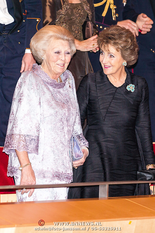NLD/Amsterdam/20161129 - Staatsbezoek dag 2, contraprestatie Belgische koningspaar, Prinses Beatrix en Prinses Margriet