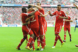 26.10.2013, Allianz Arena, Muenchen, GER, 1. FBL, FC Bayern Muenchen vs Hertha BSC Berlin, 10. Runde, im Bild Freude bei den Spielern des FC Bayern nach dem erloesenden Tor zum 2:1 durch Mario Mandzukic (FC Bayern Muenchen) // during the German Bundesliga 10th round match between FC Bayern Munich and Hertha BSC Berlin at the Allianz Arena in Muenchen, Germany on 2013/10/26. EXPA Pictures © 2013, PhotoCredit: EXPA/ Eibner-Pressefoto/ Stuetzle<br /> <br /> *****ATTENTION - OUT of GER*****