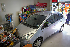 Tauranga-Car drives into superette, Papamoa