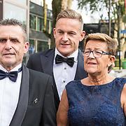 NLD/Hilversum//20170821 - Voetbalgala 2017, Jens Toornstra met zijn ouders