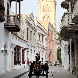 Food and walking tour of Centro Historico in Cartagena, Colombia for Viator.