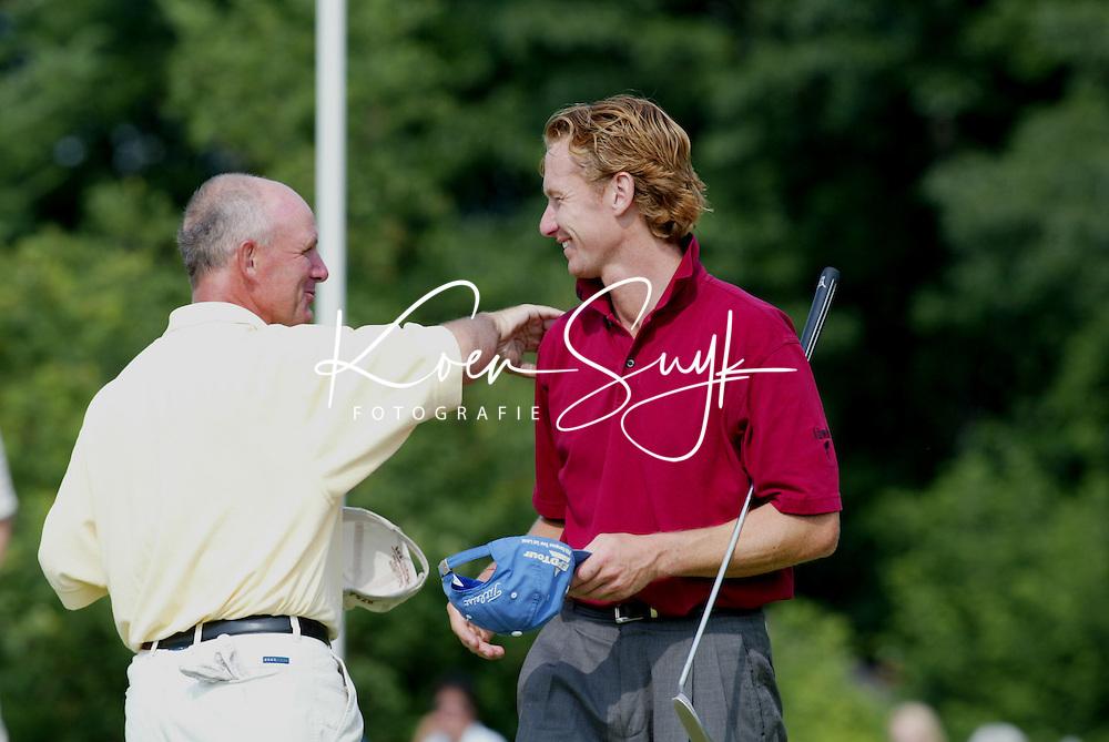 LEUSDEN - Ruben Wechelaer (r) en Tim Giles. Stern Open 2003 op de Hoge Kleij. COPYRIGHT KOEN SUYK