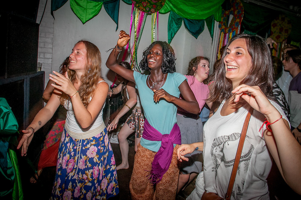 Movimientos & Jukebox Baloo present: Love Carnival. Celebrating the 8th Birthday of the Bussey Building and Mr Bongo's 25th Anniversary year! London. Aug. 22, 2015. (Photos/Ivan Gonzalez)