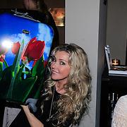 NLD/Laren/20130318 - Uitreiking Nannic Awards 2013, brigitte Nijman emt haar Princess koffer